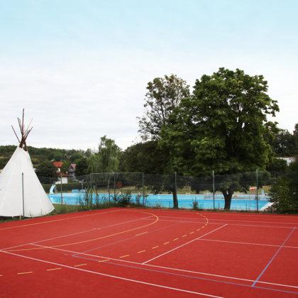 Tippi-Zelt zu Mieten, Mehrzwecksportfeld ...